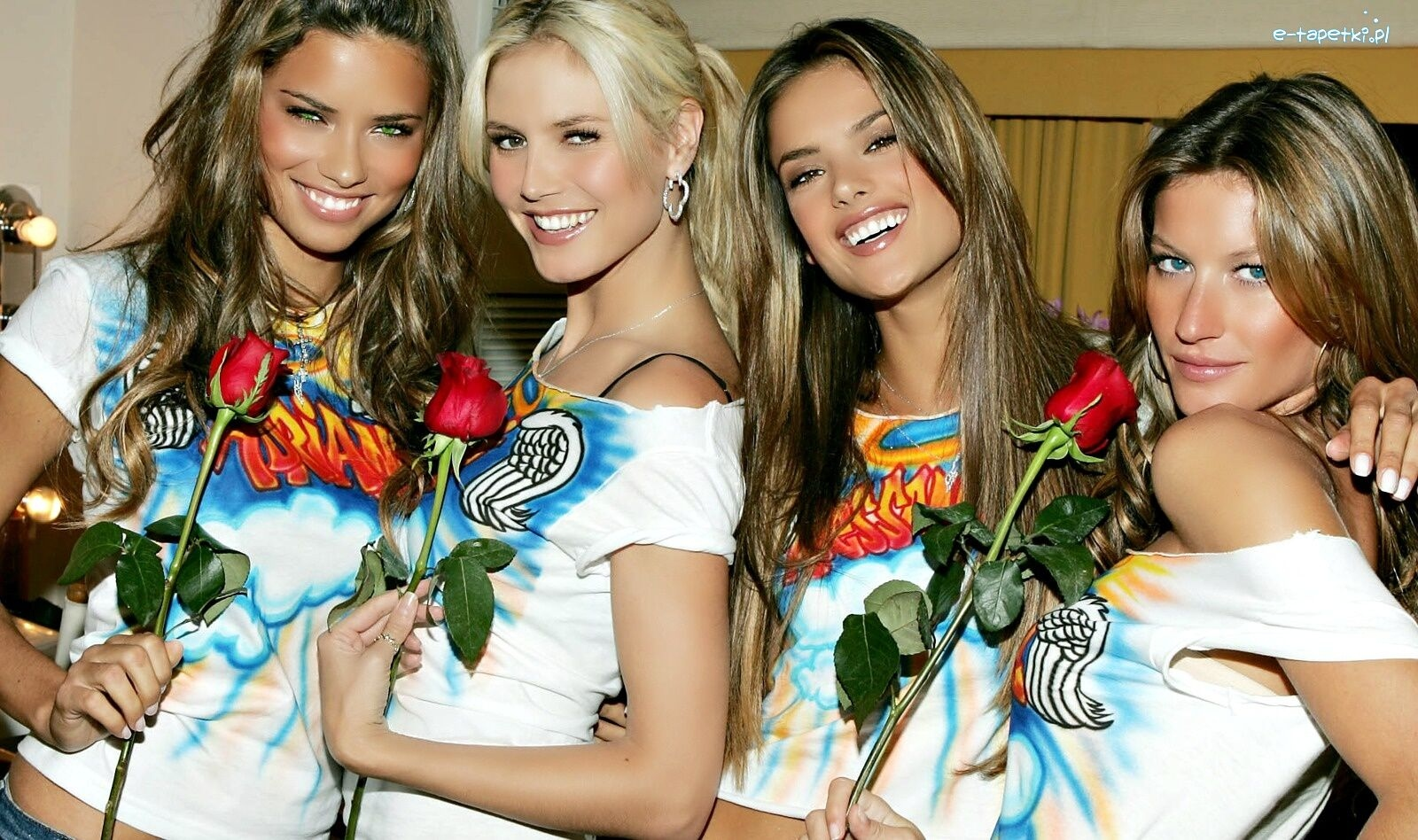 80s & 90s on Instagram: Adriana Lima, Alessandra Ambrosio and Gisele Bündchen in the 90s